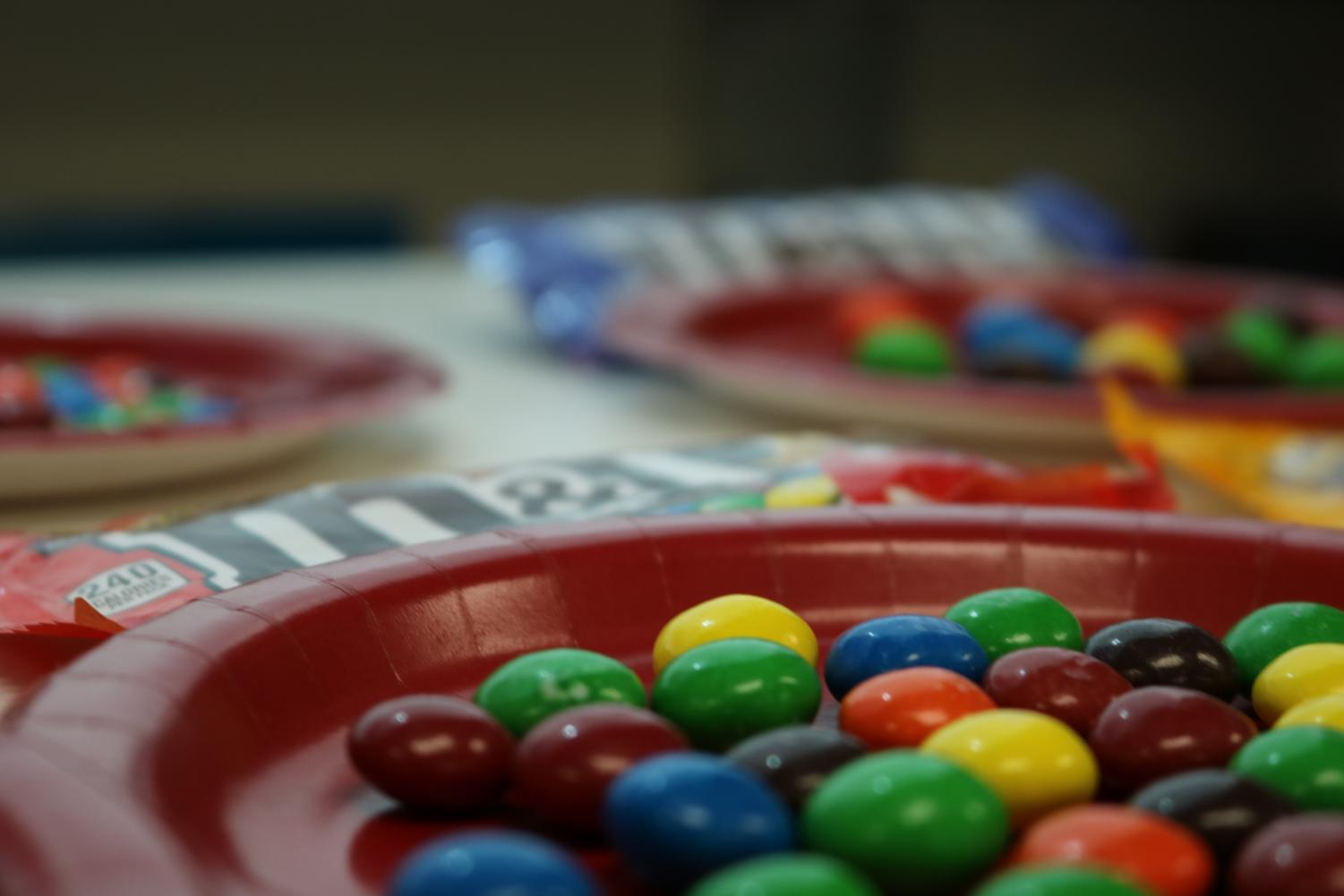 The journalism class worked on using data in their articles by taste-testing M&M flavors, ranking, and reporting their findings.