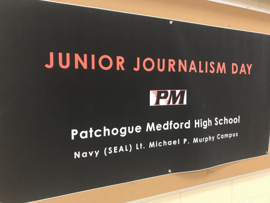 Junior+Journalism+Day%2C+hosted+by+the+Red+%26+Black+and+Mrs.+Sullivan%27s+Journalism+class%2C+invited+students+from+the+elementary+%26+middles+schools+to+participate+in+a+full+day+of+workshops+and+activities+highlighting+our+program.+