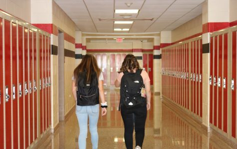 Freshmen students Savannah H. (right) and Ariana A. (left) navigating the halls of PMHS on their first day of high school.