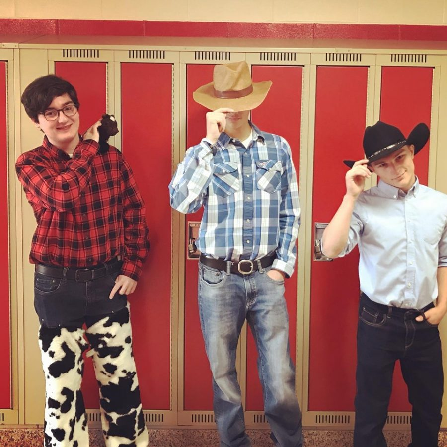 Yehaw+Day+brought+some+cowboys+and+cowgirls+to+the+halls+of+PMHS.+
