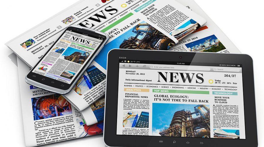 The great debate: print vs. online publications in high school.