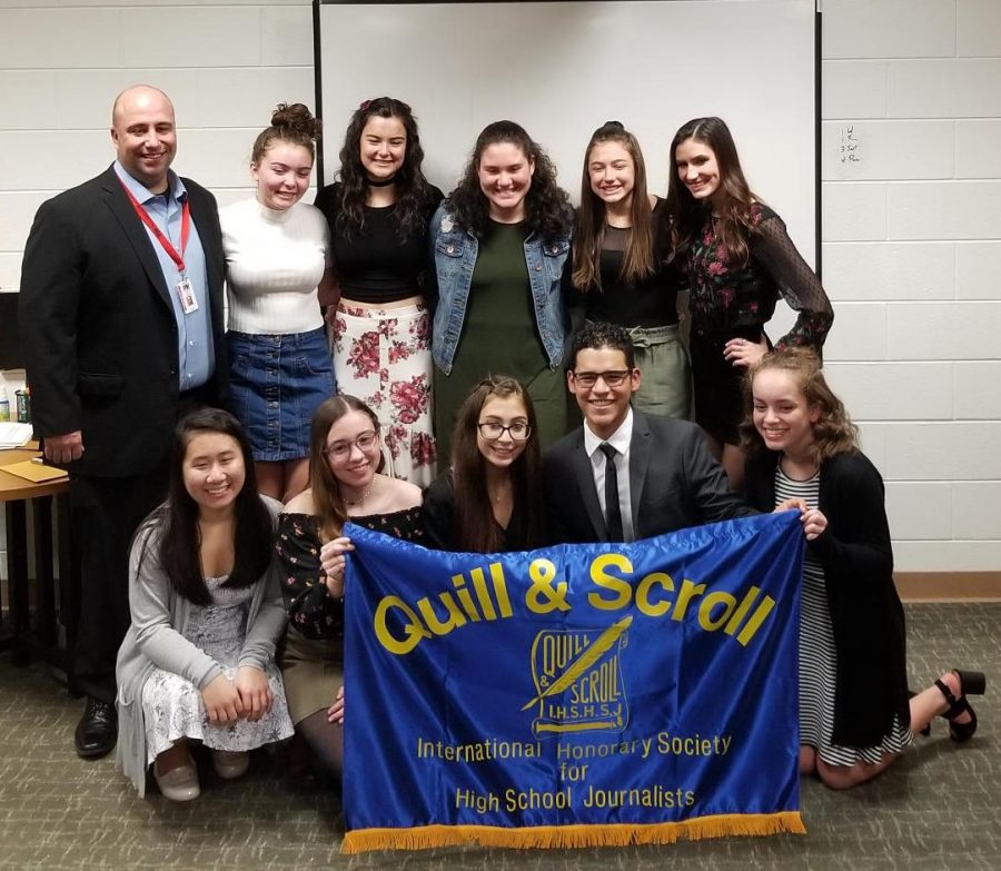 Mr.+Hanley%2C+honorary+inductee%2C+poses+with+fellow+Quill+%26+Scroll+2018-2019+inductees.+Top+row+from+left%3A+Stephanie+Sheridan%2C+Delaney+Reh%2C+Pelin+Bozok%2C+Gianna+Gordon%2C+Sarah+Bacon.+Bottom+row+from+left%3A+Naomi+Nyugen%2C+Rute+Rodrigues%2C+Nicolette+Savattere%2C+Andres+Rendon%2C+and+Amber+Brewer.+Congratulations+to+all%21+