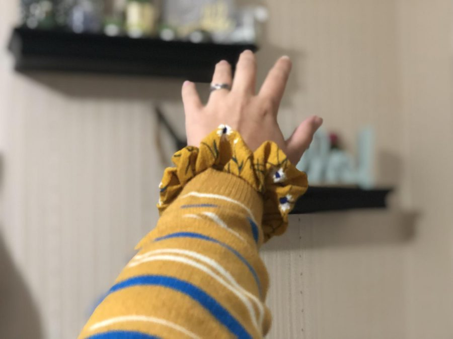 Whether+you+don+it+on+your+wrist+or+around+your+top+knot%2C+scrunchie+is+a+must-have+accessory.+Wait%2C+is+this+1989+or+2019%3F+