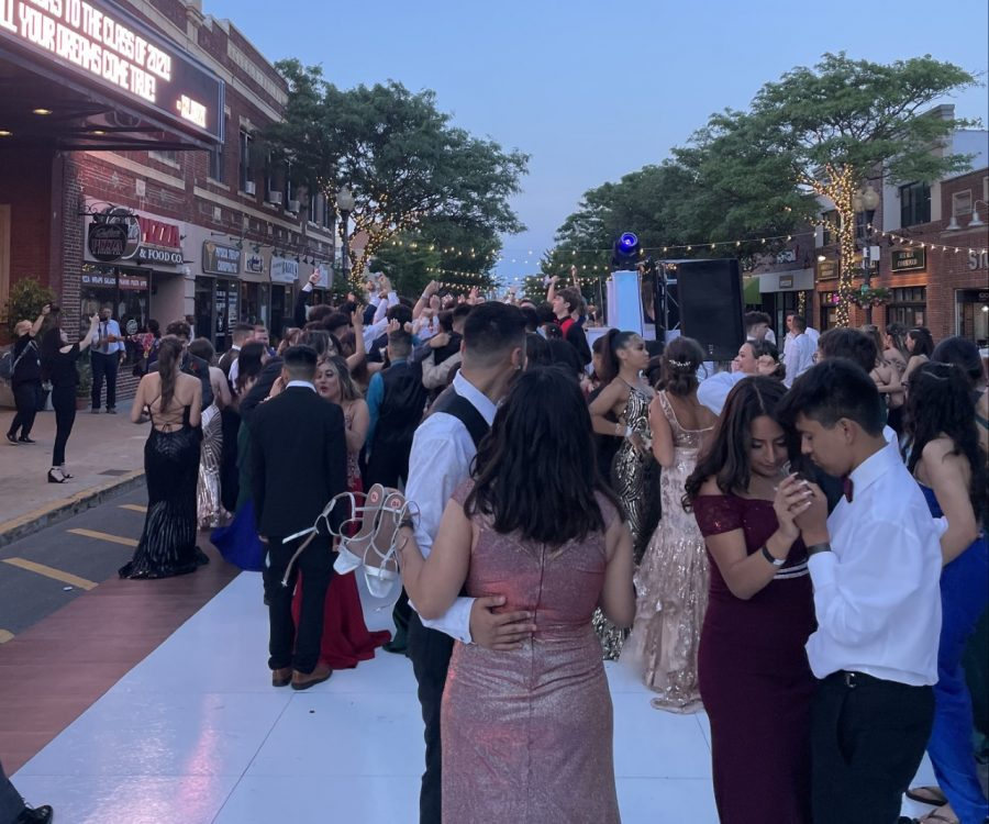 We can all agree that prom on main street was incredible but, a Homecoming dance doesnt have to be something as grandiose.